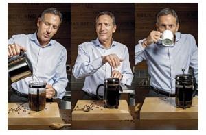 schultz-tomando-cafe
